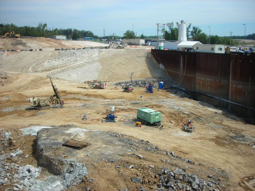KY LOCK 6_GROUT CURTAIN SITE